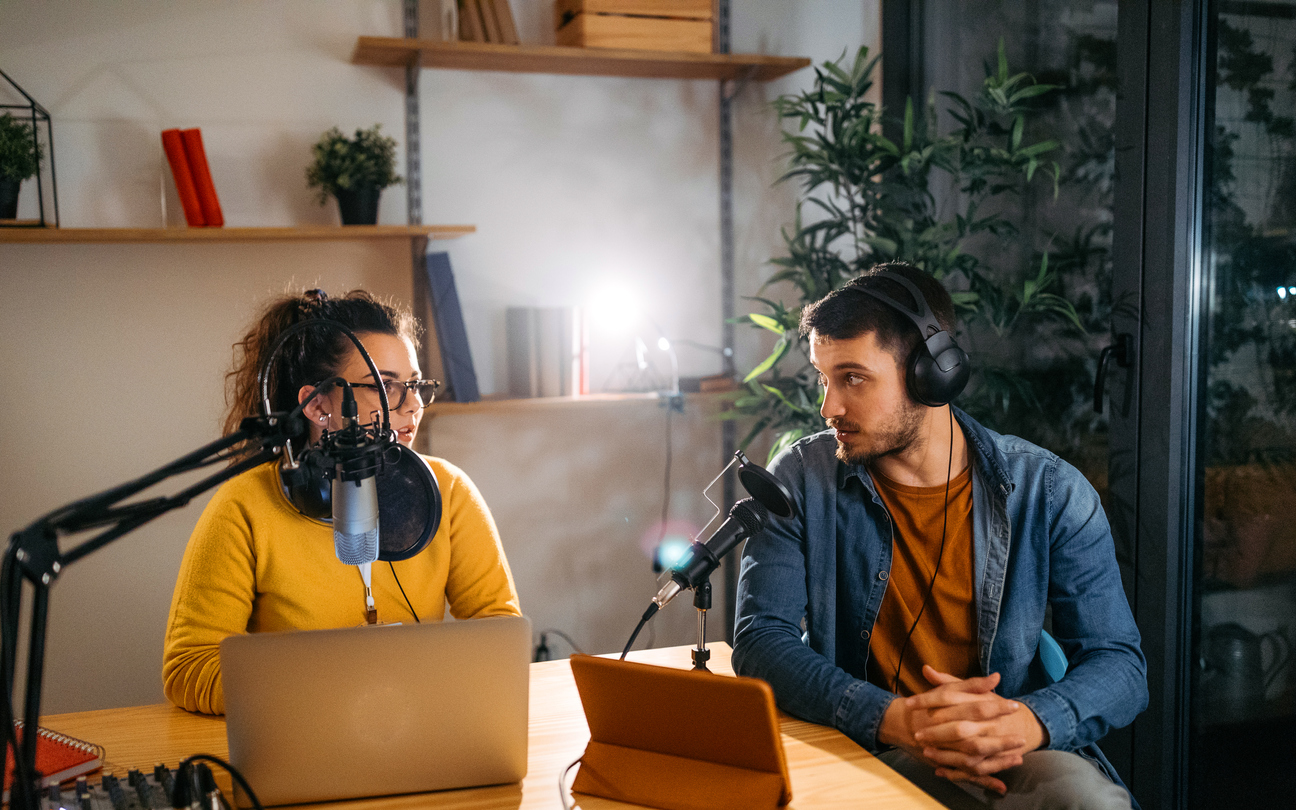 advertise on podcasts